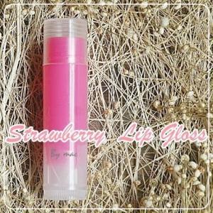 STRAWBERRY LIP GLOSS สีชมพู กลิ่นสตอเบอรี่