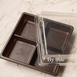 กล่องพลาสติก 4ช่อง 4 ใบพร้อมฝาใส