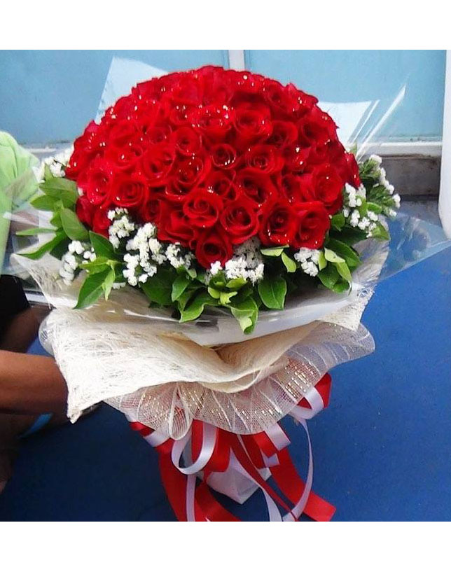 V010 : Perfect (99 roses)