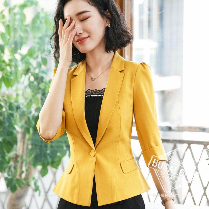 เสื้อสูทแฟชั่น เสื้อสูทสำหรับผู้หญิง พร้อมส่ง สีเหลือง คอปก แขนพับสามส่วน หัวไหล่ยกนิดๆ ไม่มีซับในระบายอากาศได้ค่ะ