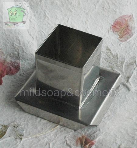 พิมพ์หล่อเทียน สแตนเลส สี่เหลี่ยม S 555 ขนาด 5 x 5 สูง 5 ซม. น้ำหนักเทียน ประมาณ 100 กรัม