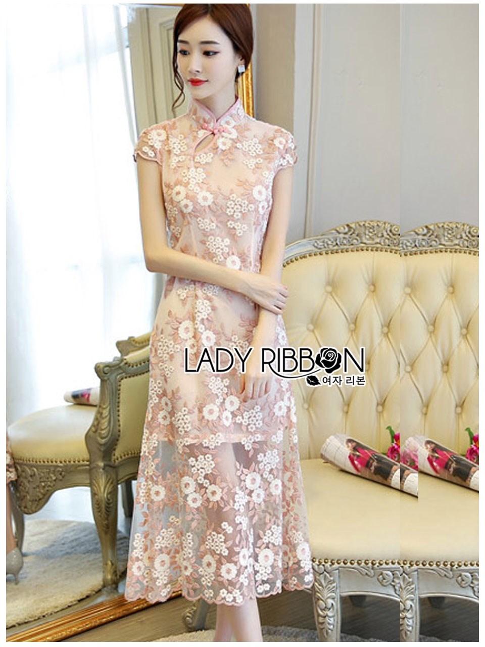 Dress เดรสทรงกี่เพ้าผ้าลูกไม้สีชมพูอ่อน ลุคนี้เป็นสไตล์จีนอีกแล้วค่ะ แต่เป็นลุคหวานๆแบบเฟมินีน