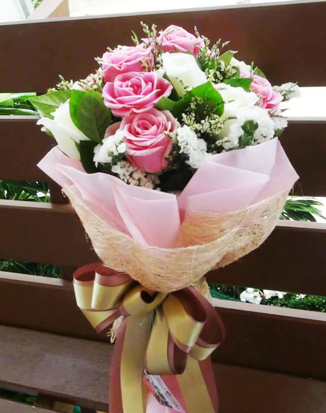 V006 : I Like You (12 roses)