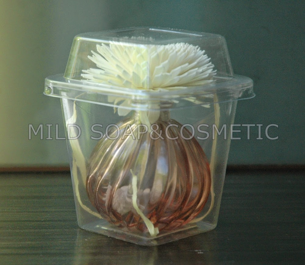 ขวดแก้วอโรม่าสีชา+ดอกเยบีร่า 6-7 ซม.