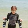 ชุดว่ายน้ำทูพีชแบบสปอร์ต แขนยาว ขายาว ตัวเสื้อพิมพ์ลายตามแบบ ชายปล่อย ด้านในเสื้อบุฟองน้ำอย่างดีที่