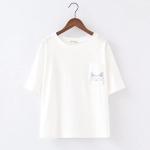 เสื้อยืดสีขาวสกรีนลายน่ารักๆค่ะ