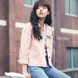 แจคเกตยีนส์เนื้อผ้าดีเกรดเกาหลี ติดกระดุมด้านหน้าแบบเปิดได้ทั้งหมด รุ่นนี้เนื้อผ้าดีทรงสวยใส่ง่ายแมทง่าย สาวๆไซ๊ใหญ่ก้ใส่ได้/สาวๆไซ๊เล็กก้ใส่สวยจร้า แนะนำให้ต้องมีติดตู้ไว้เลยน๊า ใส่คลุมได้กับทุกชุดทุกโอกาสทุกฤดูกาล ห้ามพลาดเลยคร๊า